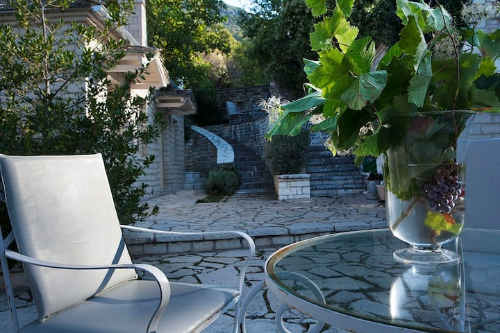 2bedrooms- stone building /Vikos Gorge, Epirus