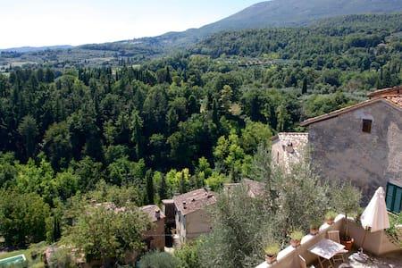 Casa accogliente con ottima vista in Cetona - Cetona