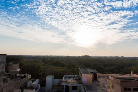 AirBnB SuperHost: Zanskar Penthouse - Nova Delhi - Pis