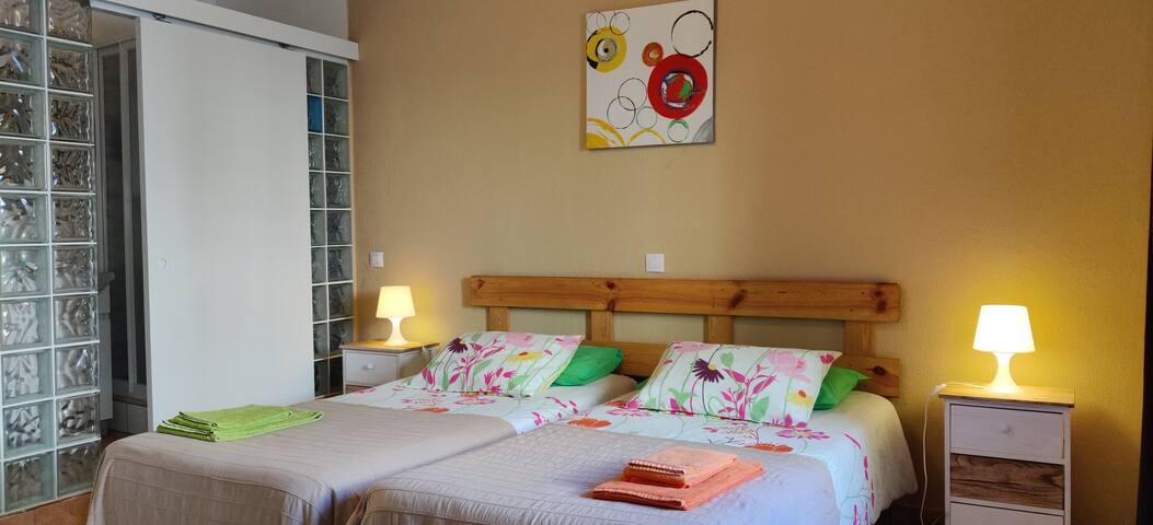 Room 2, private WC - Casa d'avó