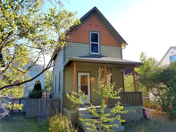 Sun-Filled Two Bedroom House on the Northside
