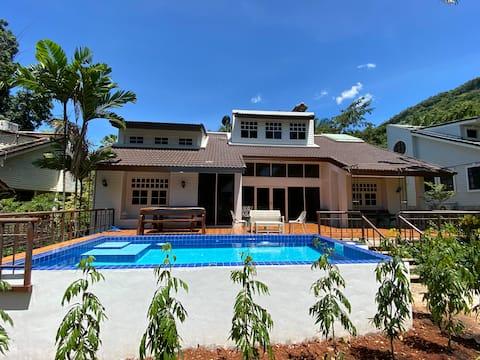 B8 Nhà trong khu nghỉ dưỡng Greenery Khao Yai cho 8-12 người