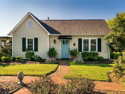 Garden Cottage nestled on 10 acre farm