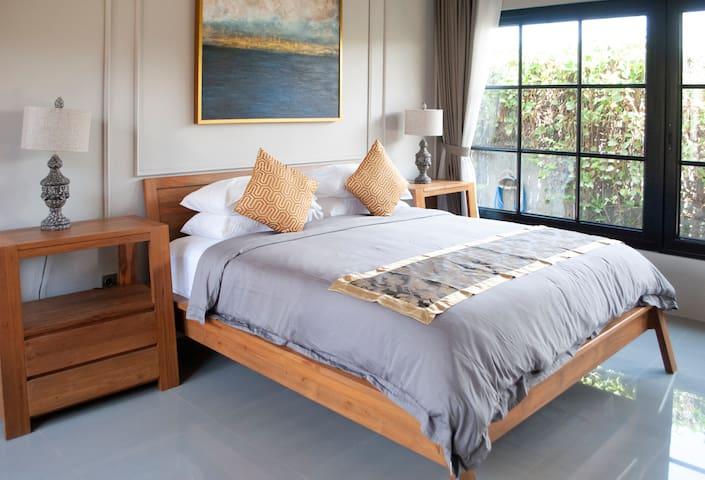 [NEW] Casa Narrow Villa - Fatima Room