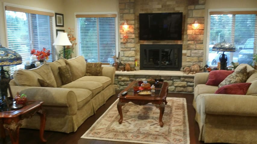 SUITE IN BEAUTIFUL GOPHER CANYON - Vista - Huis