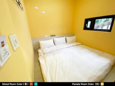 Owl Hostel Premier Deluxe Capsule - Female Dorm