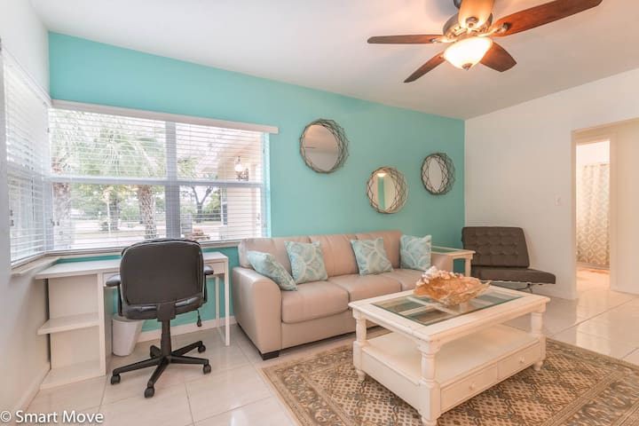 Central and charming sleeps 4 apartments for rent in fort lauderdale florida united states for 1 bedroom apartments ft lauderdale