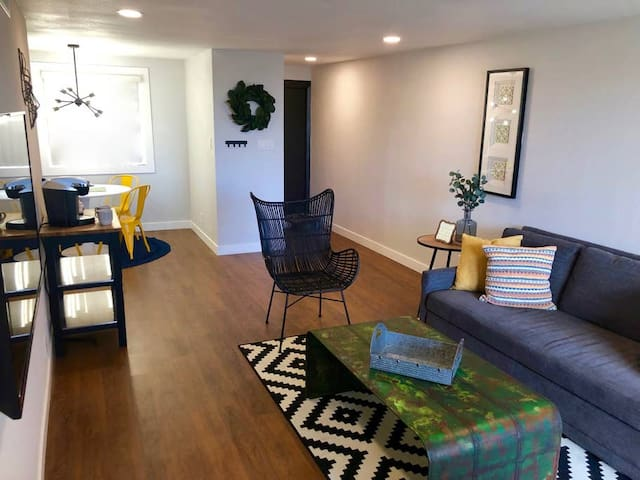 ⇨ ASTONISHING ⇦ OLD TOWN SCOTTSDALE PRIVATE CONDO