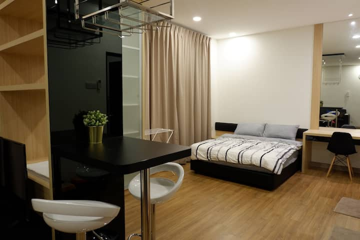 J's Suite19 @ Landmark Residence 1; Carpark & WiFi