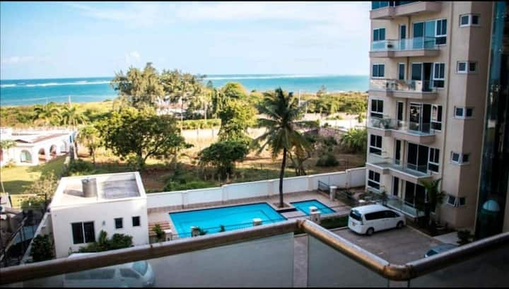 NYALI BEACH ROOM IN FURNISHED APARTMENT+SWIMPOOL