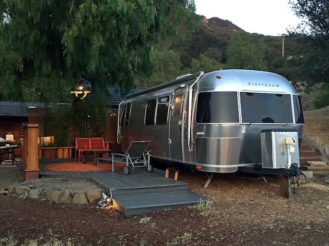 Malibu Wine Country Airstream - Agoura Hills - Husbil/husvagn