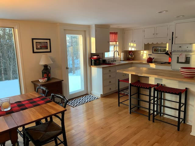 Beautifully-furnished In-town Home