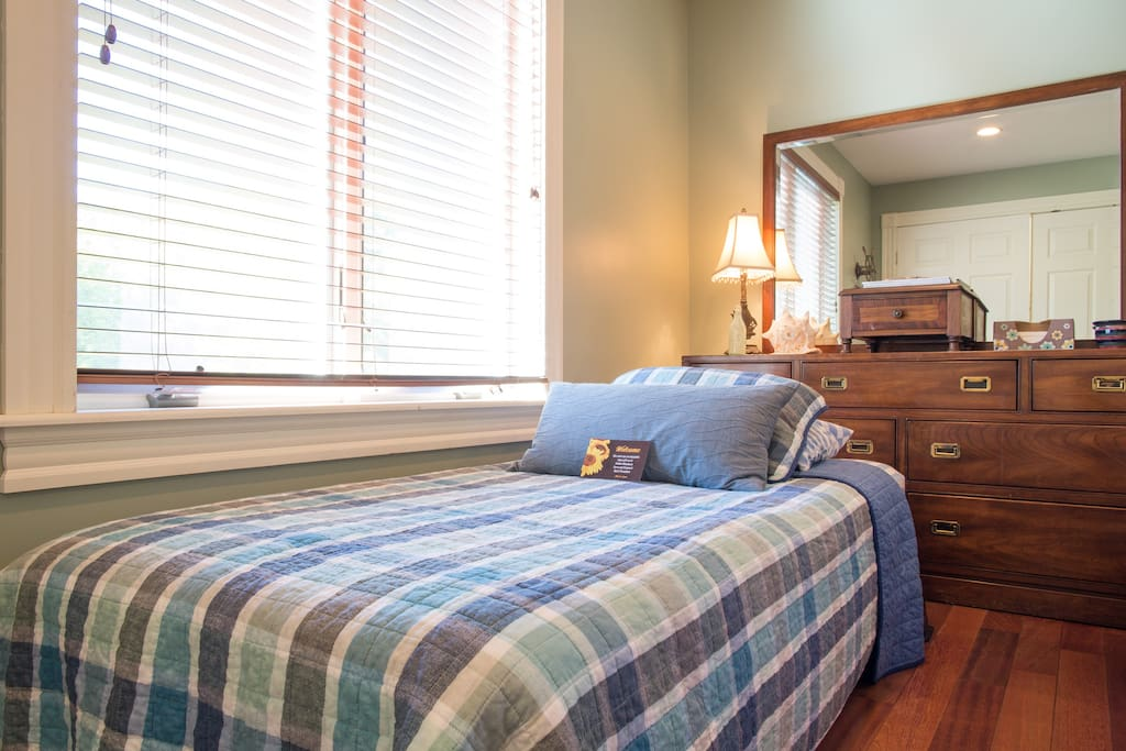 Additional twin beds in each bedroom