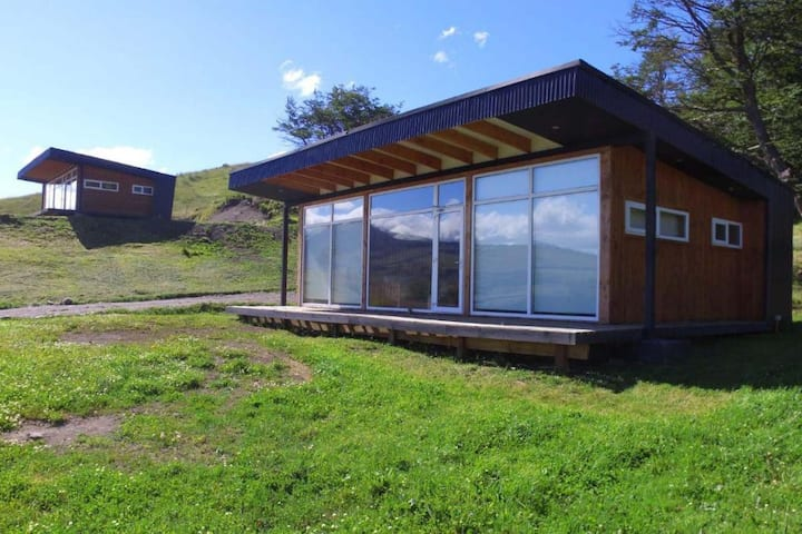 Patagonia Indómita Chile Spa. - Cabaña 2 Habitaciones y 2 Baños .Habitación con Cama King  y Habitación con Cama King o 2 Camas Individuales y Baño en suite - Tarifa estandar