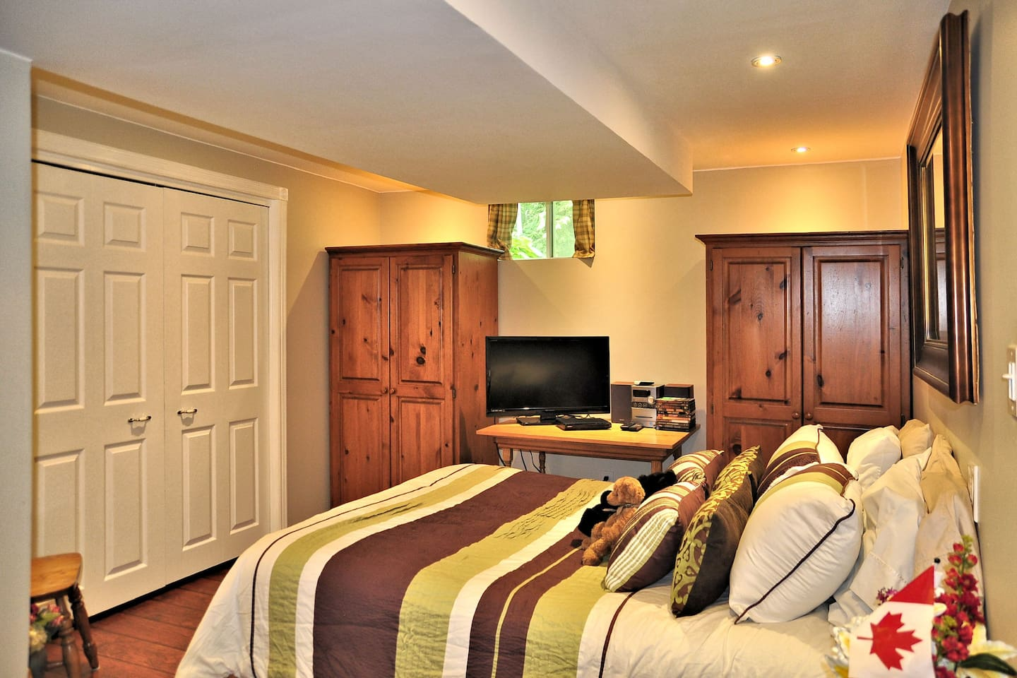 Private Luxury - lower level suite with full kitchen, private bath, and living/sitting area