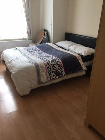 Spacious double room ideal for 2 people