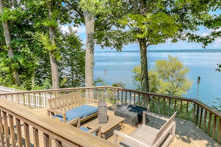 Lakefront Home Perfect for Families & Friends - Romulus - Haus