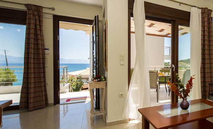 Villa next to the beach with panoramic view