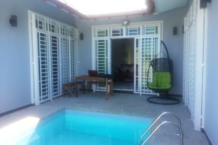 De Cardibourne Villa - Kuala Terengganu