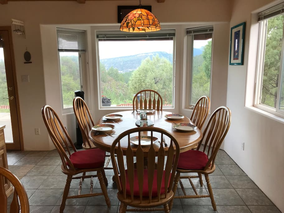 Dining area Seats 6 (extra chair in closet)
