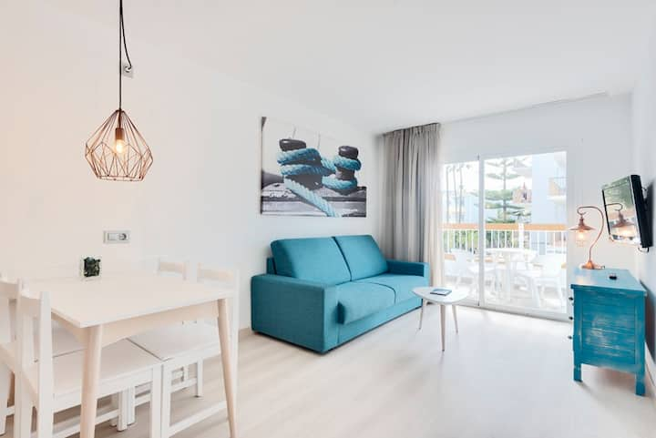 Alcudia Garden Apartments, beach resort