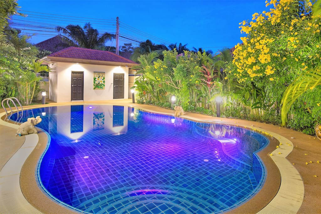Lovely pool with surround lights