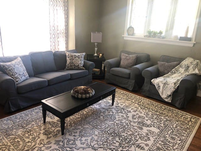 *PROMO* 3 bedroom in quiet area near Wash U/Loop