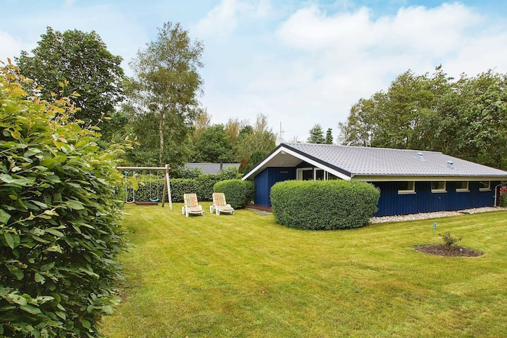 Superb Holiday Home in Hemmet near Sea
