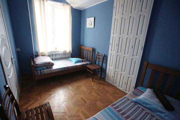 Private Room with balcony (twin beds) - Tbilisi - Hostel