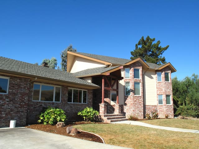 2 bedroom & 2 Full bath, wine country Get-Away - Livermore - House