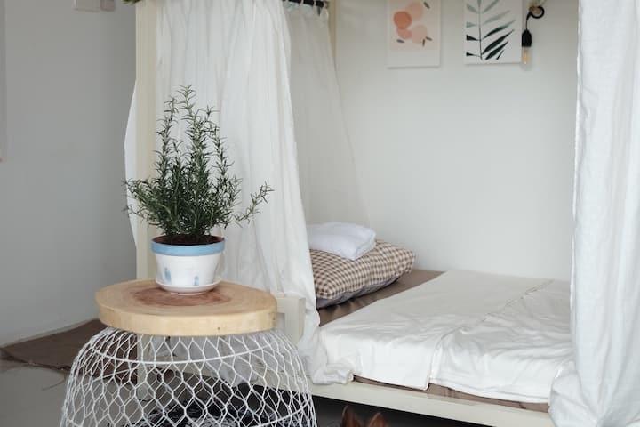 Chopsticks ( Đũa ) Room | bunk beds| single bed 2