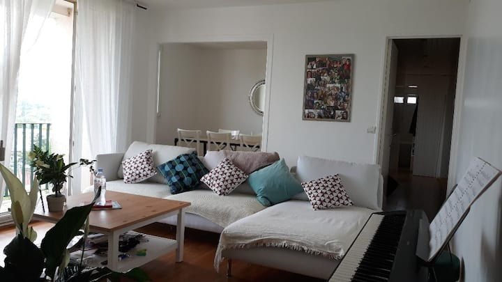 cosy and pleasant flat ( 20 min from Paris)