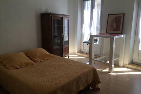Chambre à louer en centre ville - Castres