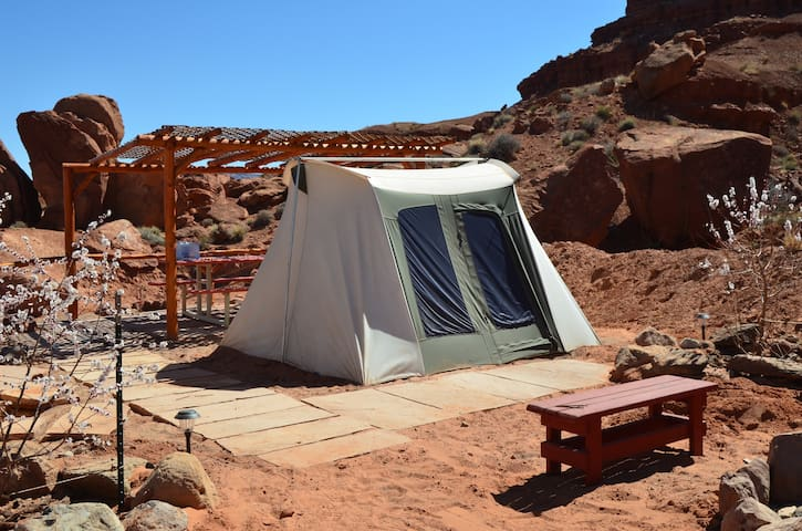 Monument Valley Campsite 2 - Oljato-Monument Valley - Sátor