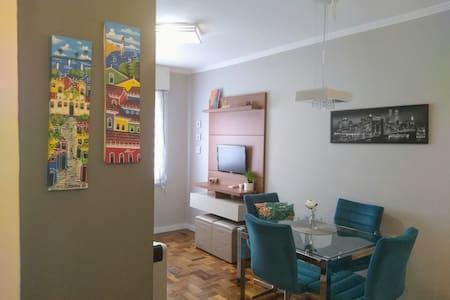 Apartamento aconchegante 1 dormitório c/garagem!