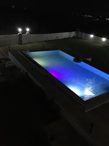 Luxury  villa pied dans leau . - Al Huwariyah - Vila