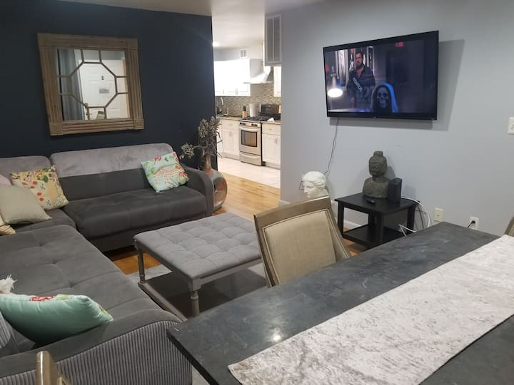 02 Flat Luxury Apartments - 8BR/4 Baths-20 guests