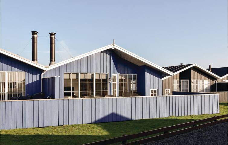 Semi-Detached with 3 bedrooms on 80m² in Hvide Sande