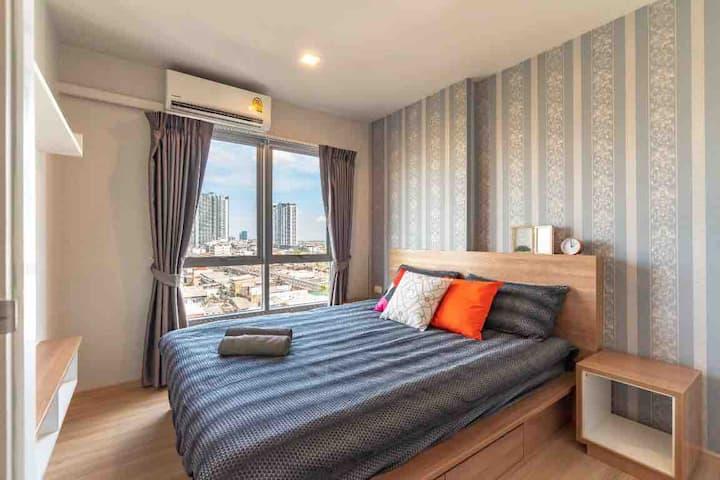曼谷 乍都乍周末市场 mrt100米 公寓  直达火车夜市012