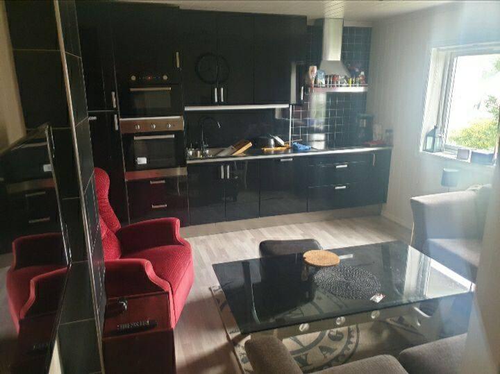 Apartment 4 bedroms 2 bathroms City Central