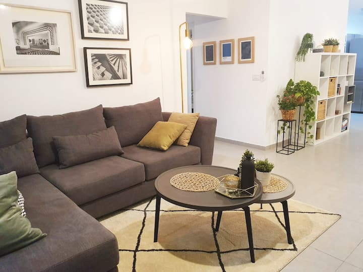 Modern Apartment, Luxury, Terrace, Fully Equipped!