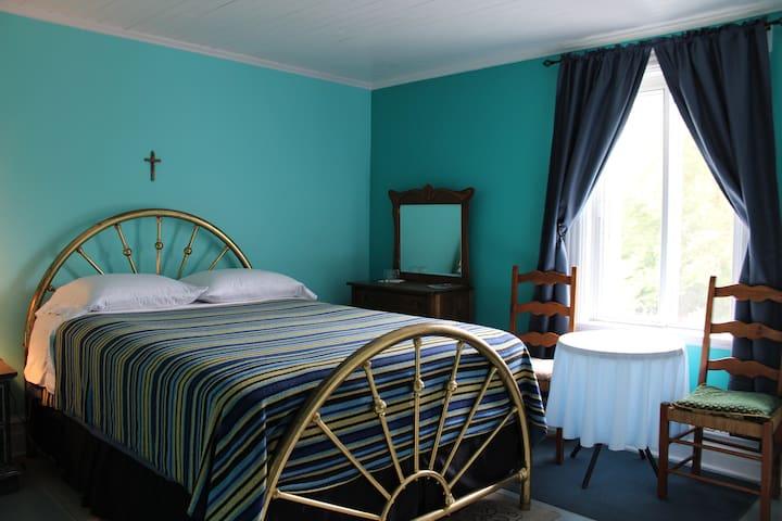 Chez Jacques et Chantale - Chambre bleue
