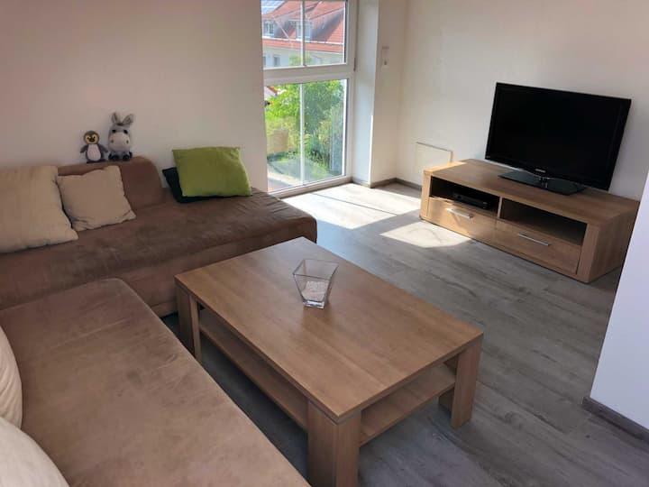 Schöne Dachgeschoss-Wohnung mit Bergblick