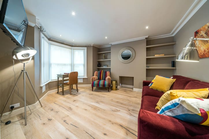 70% OFF! 1 Bed Flat with Cozy Heated Patio