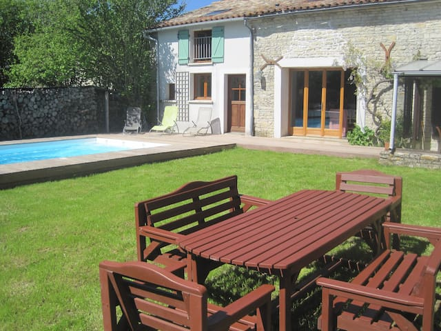 Beautiful stone gîte, with private heated pool