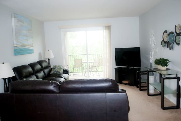 Clean and Bright Family Friendly Two Bedroom!
