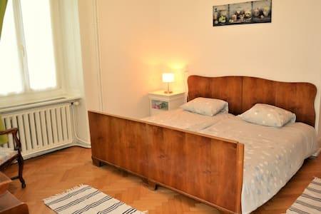Appartement meublé et tout confort au Locle - Le Locle
