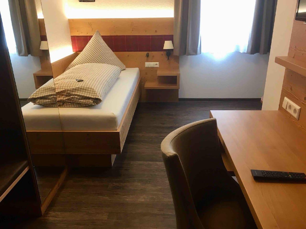 Schlaf- und Wohnbereich, Landgasthof Linde, Einzelzimmer Gästehaus