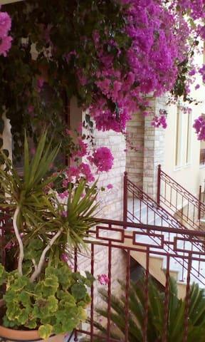 near athens airport El.Venizelos - Athina - Villa