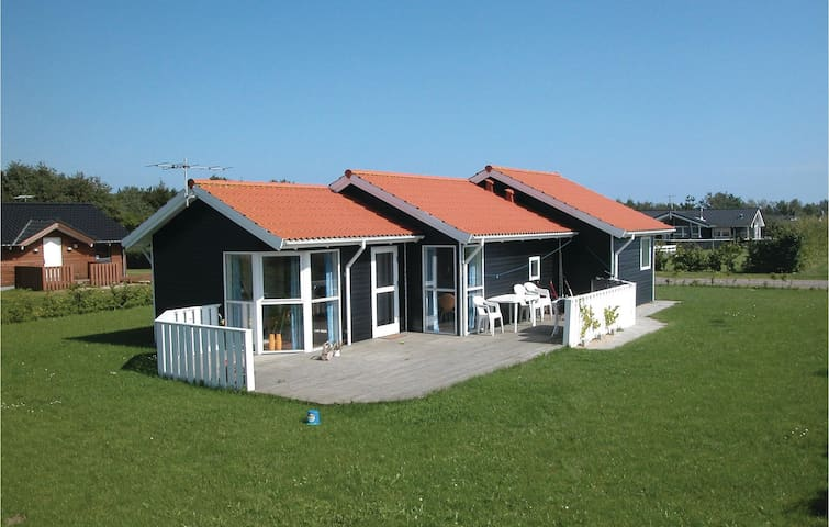 Holiday cottage with 3 bedrooms on 76m² in Juelsminde